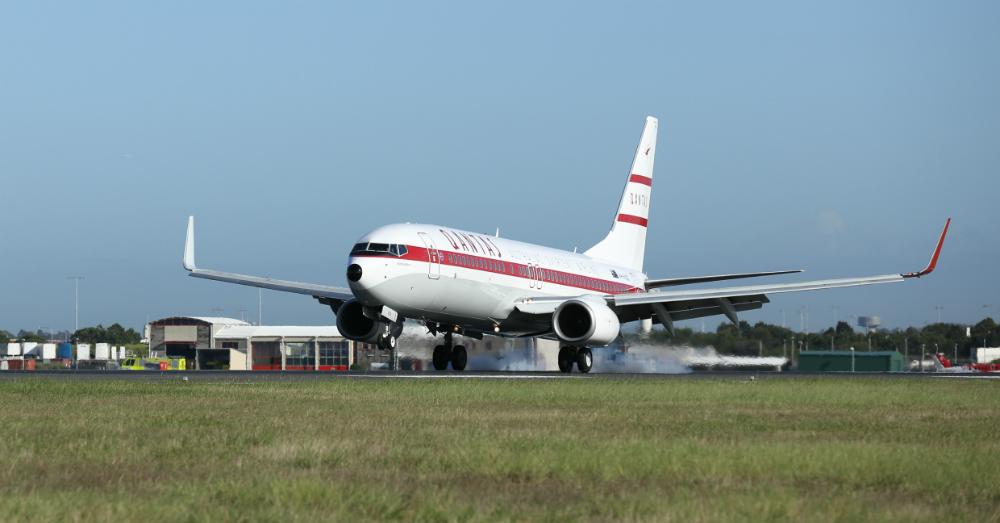04.23.16 - Qantas Boeing 737-800