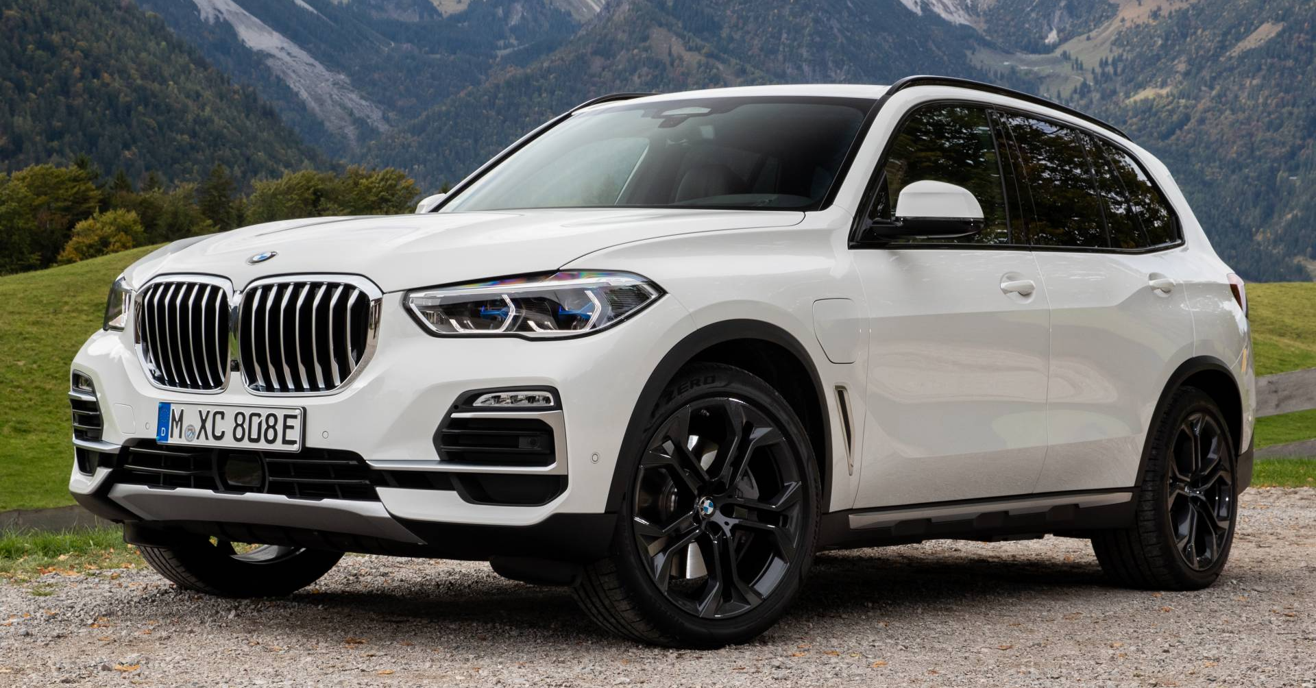 BMW X5: The Character You Want from BMW
