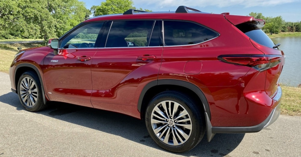 Toyota Highlander - Toyota has the Right Crossover for You
